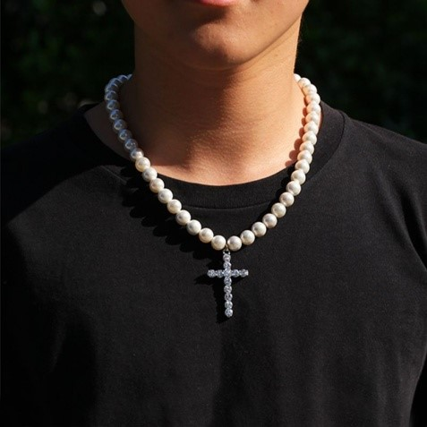 Latest Trends in Jewelry For Men: Pearl Bracelets and Necklace - LivingFlawless.com